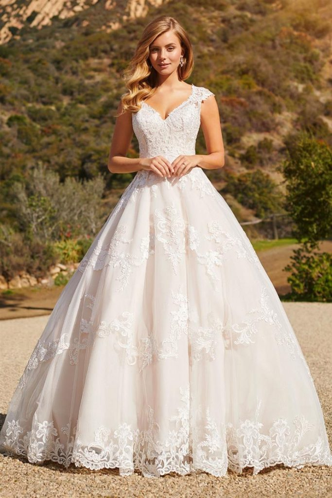 A-line wedding dress ชุดแต่งงานทรงเอ