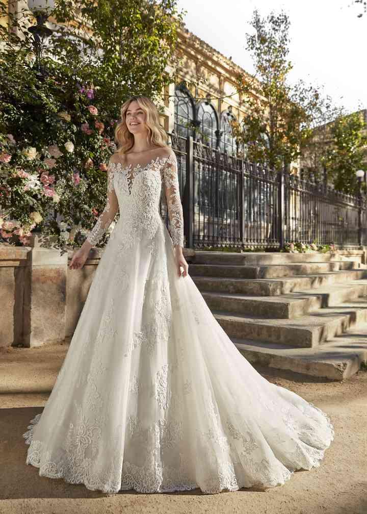 Ball gown wedding dress ชุดแต่งงานบอลกาวน์